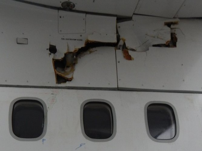 Serious incident to the ATR 42-500 registered F-GPYF operated by HOP! on 25/03/2018 at beginning of descent to Aurillac airport