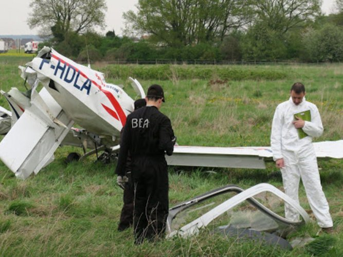 Accident to the Evektor SportStar RTC registered F-HDLA on 09/04/2017 at Chelles Le Pin aerodrome (Seine-et-Marne)